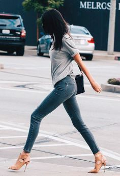 A modelo Kendall Jenner usa truque para alongar as pernas.