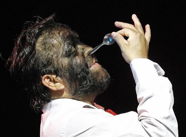 """Manusia Serigala Yesus Aceves, dari """"Britain's Got Talent"""" Menuju Panggung Sirkus"""