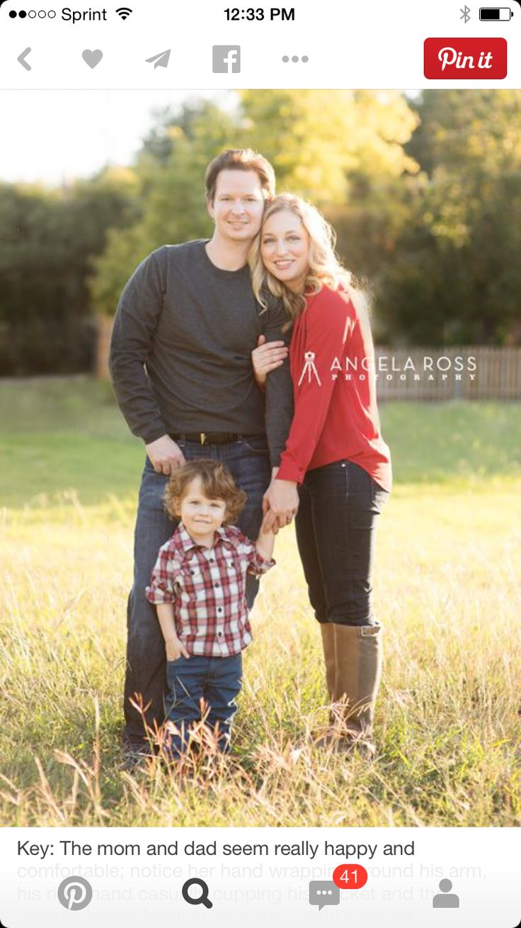27 Best Christmas Family Portrait Poses Images On Pinterest