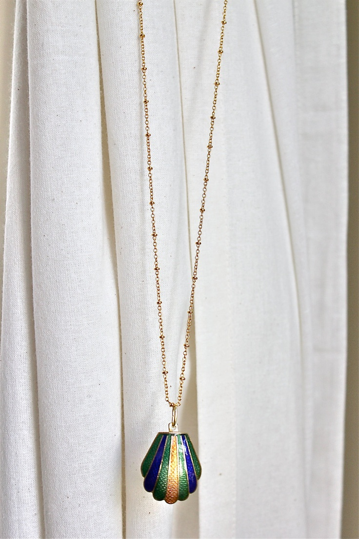Deco Shell Necklace,
