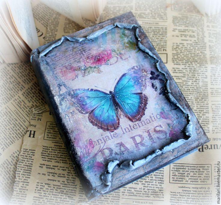 """Купить Шкатулка фолиант """"Сердце Парижа"""". - разноцветный, бабочка, Париж, кожа, насекомые, шкатулка, фолиант"""