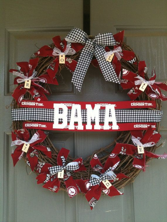 "Alabama Wreath - not a real fan of this particular wreath but it gives me an idea to try w/my grapevine wreath!  Houndstooth banner ""Roll Tide"""