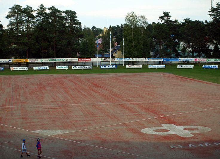 Estádio de beisebol Kitron, em Alajärvi, província de Finlândia Ocidental, Finlândia. Fotografia: Santeri Viinamäki.