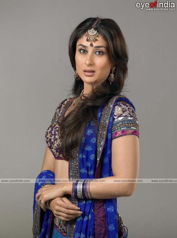 Kareena Kapoor side on wearing a blue saree