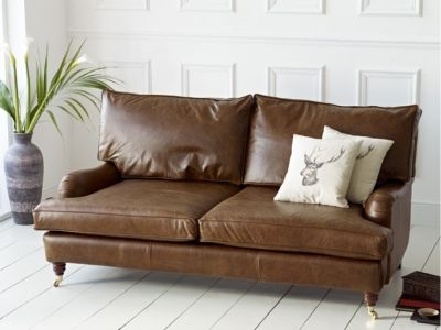 Downton Vintage Leather Sofa by the Chesterfield Company, Salford, UK