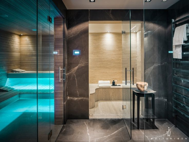 Wolterinck | Project | Wolterinck Laren sauna and steam rooms - blue evokes a swimming pool feel!