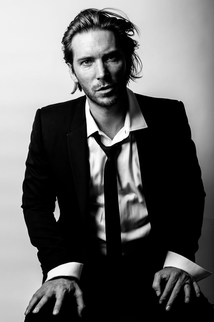 Troy Baker. The voice behind Greed in English dub version of Fullmetal Alchemist Brotherhood.