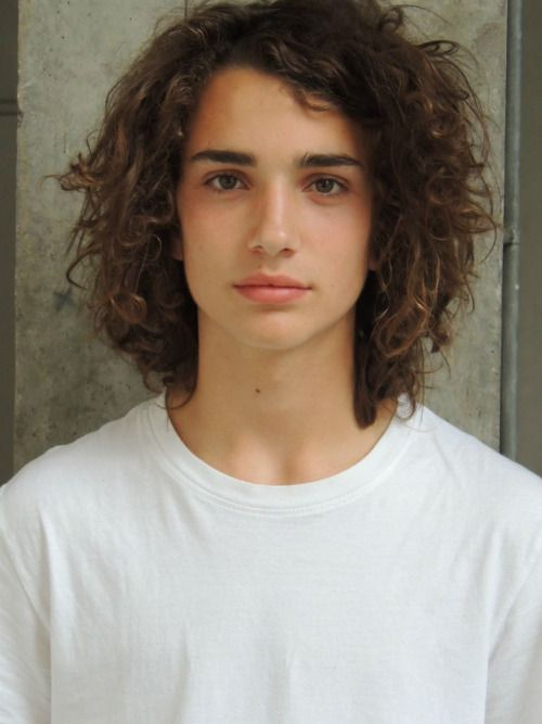 lyncoh:   Matthew Clavane at D1 models : tender love