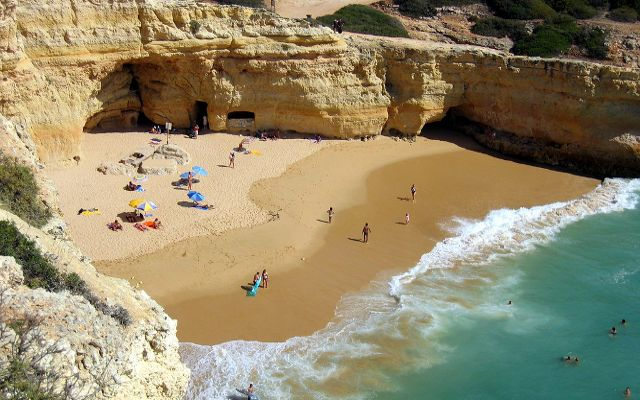 Best Quiet Beaches in Portugal | Praia do Carvalho, Lagoa (Algarve)