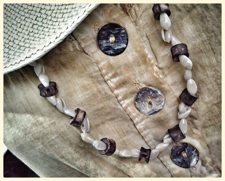 """collana conchiglie e legno """"made in To"""""""