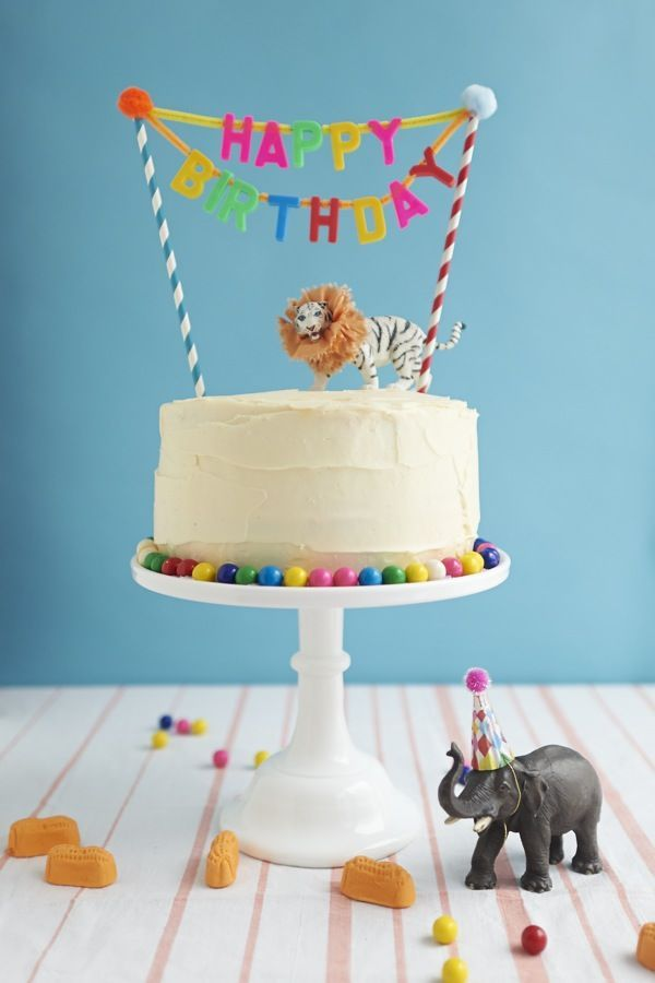 cake decorating ideas: happy birthday banner via Oh Happy Day