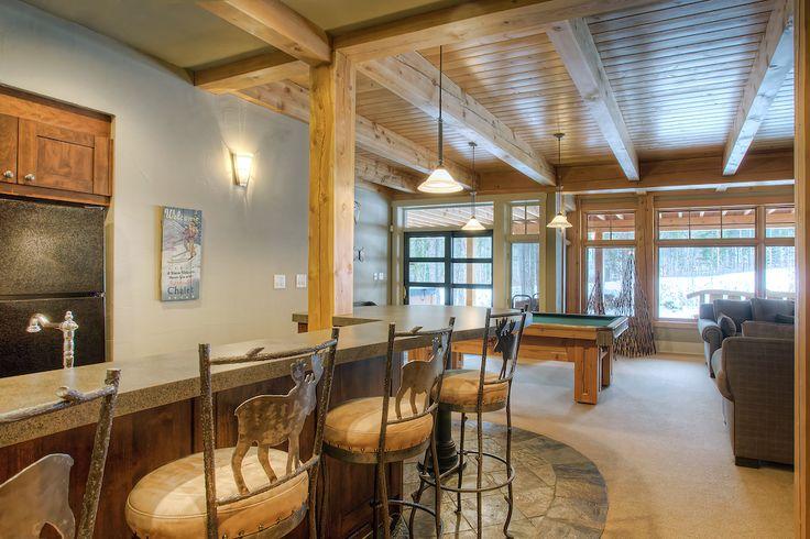 Family room by Quiniscoe Homes  quiniscoe.ca