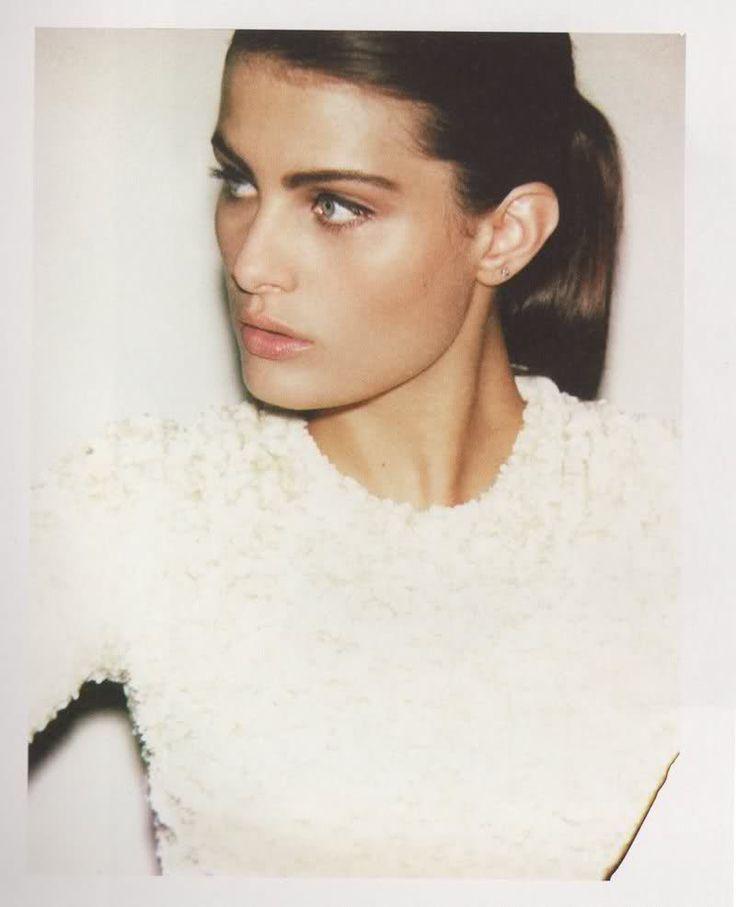 Isabeli Fontana #hair #makeup #neutral @codeplusform