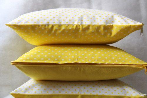 Magické puntíky na slunci. Originální dekorativní bavlněné povlaky na polštáře, šité z kvalitní designované 100% bavlny vyšší gramáže, k zútulnění vašeho domova.