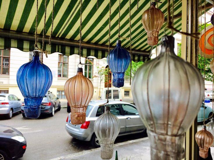 tip na dekoraci - baňka jako horkovzdušné balóny - na balkón nebo někam do rožku