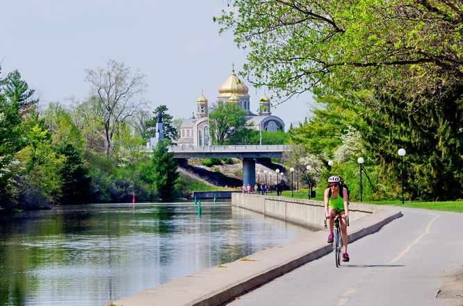 The trail along the Rideau Canal is well used by commuters and Carleton University students