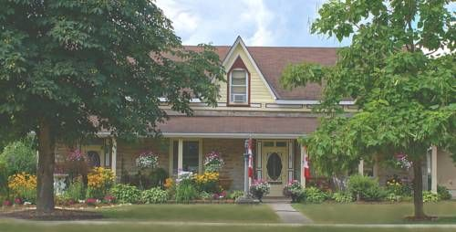 Limestone B&B Marmora (Ontario) Boasting views of Crowe River, this Marmora property provides free Wi-Fi and daily breakfast. A spacious covered guest terrace and a seasonal outdoor pool are on site. Marmora Arena 800 m away.