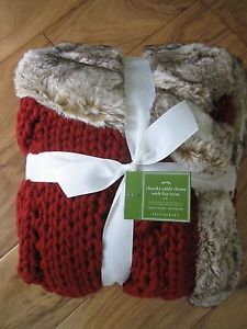 Pottery Barn Chunky Cable Knit w Fur Trim Red Throw Blanket | eBay