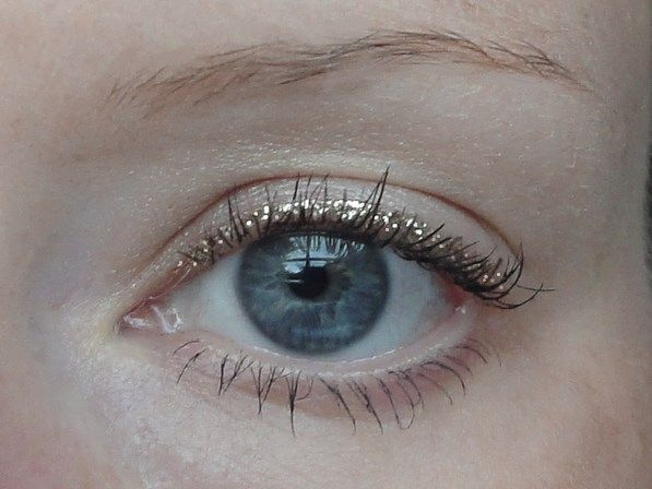 Swap your usual cateye for this | @andwhatelse