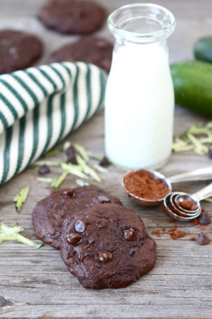 Chocolate Fudge Zucchini Cookies -   made them today - YUMMY & MOIST!! ...um wouldn't think Zucchini goes in a cookie but tons of recipes out there.. Hmmm want to try it
