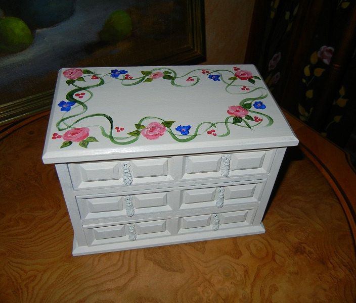 Jewelry Box Musical, upcycled painted jewelry box, pink roses jewelry box,ooak jewelry box, shabby chic jewelry box, music box, rosey  box by GroovyRejuvy on Etsy