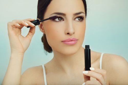 Here are tricks of the trade on how to make your lashes big, bold, and dramatic! - Mascara: the Big, the Bold, the Dramatic #lashes #eyelashes #mascara