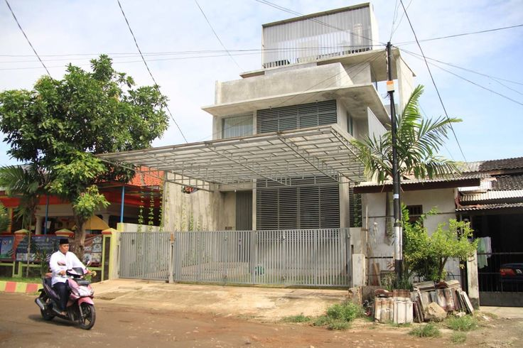 House in Jakarta / RAW Architecture