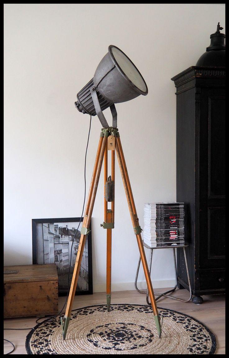 Ruige industriële Philips statief lamp, TOPSTUK! (meerdere beschikbaar)
