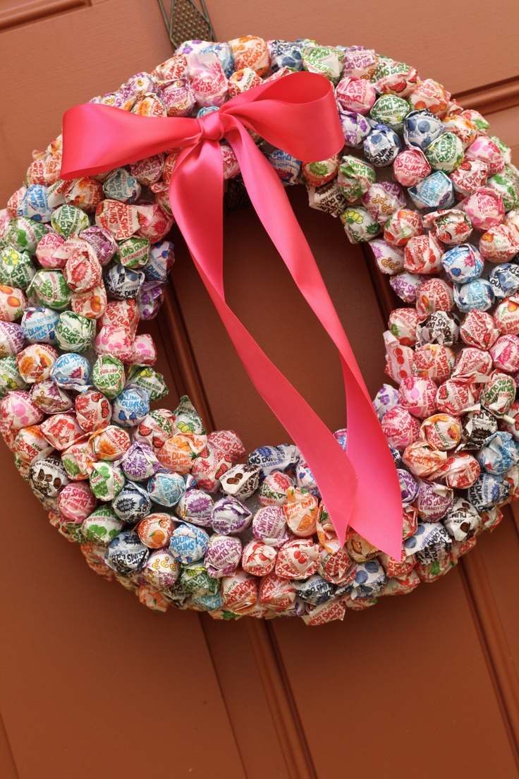Dum Dum wreath I made for B's Candy Land Birthday Party.  1 styrofoam wreath and LOTS of Dum Dums!