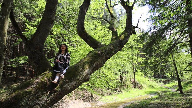 Laura Olteanu - Cand iubesti numai in joaca New 2014