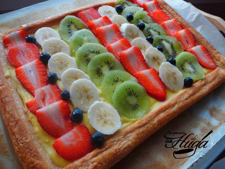Tarta de frutas y hojaldre #receta #postre #buenprovecho http://www.recetashuga.es/2014/04/roscon-de-pascua.html