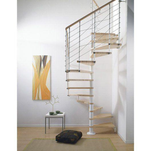 escalier_colimacon_carre_cubeline_structure_metal_marche_bois