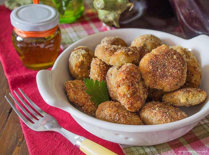 Polpette+di+melanzane+e+patate+fritte+o+al+forno