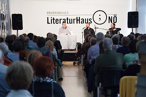 Das Internationale Kulturenfestival Literatur & Wein 2017