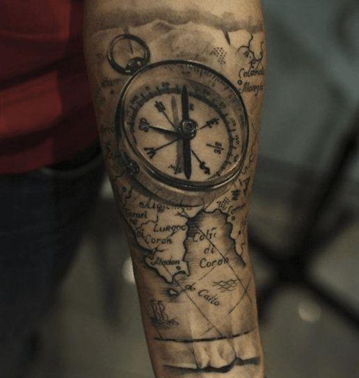 Les 25 meilleures id es de la cat gorie tatouage carte sur pinterest tableau des piercings - Tatouage boussole signification ...