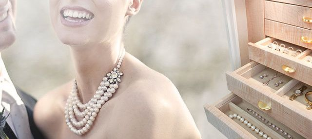 Tips For Keeping Your Pearl Jewelry Safe
