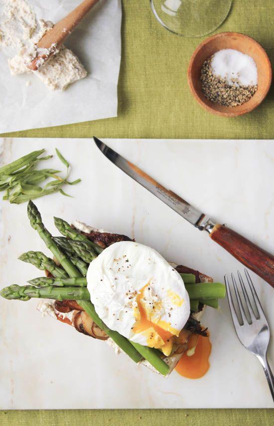 ... Asparagus, Yummy Food, Eating, Toast, Asparagus Salad, Poached Eggs