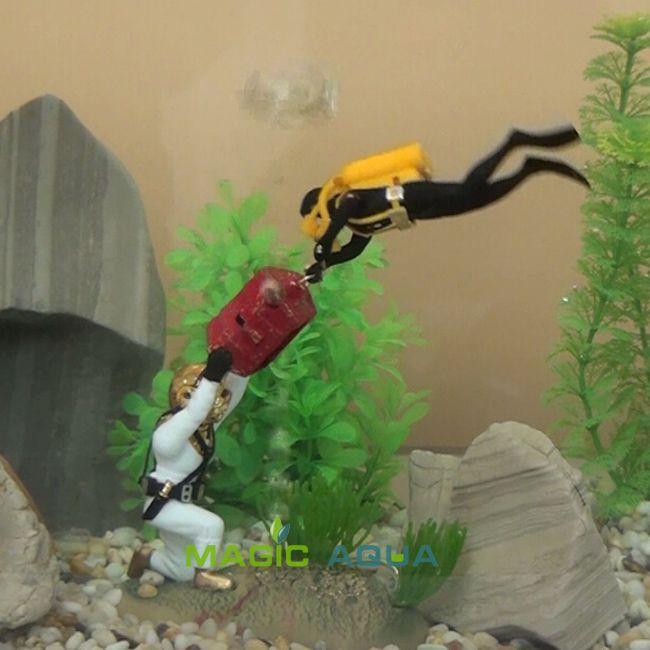 67 best images about fish tanks on pinterest aquarium for Aquarium diver decoration
