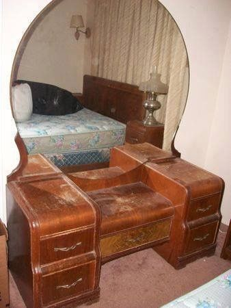 1940s Waterfall Style Bedroom Vanity Dressing Table At