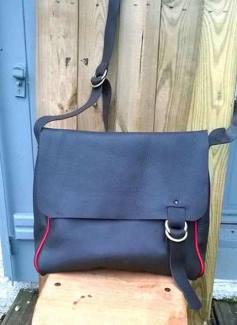 éleste: Sac besace cuir gris & rouge # GIRLGREY by éleste