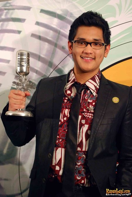 Afgansyah Reza (born in Jakarta , Indonesia on May 27, 1989) is an Indonesian pop singer.