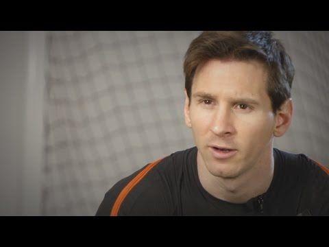 Messi enseña a jugar futbol - YouTube