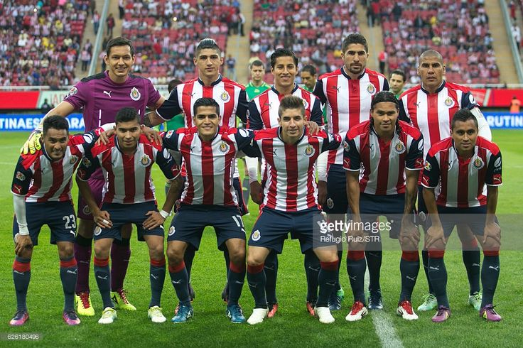 Players of Chivas pose for photos prior the quarter finals second leg match between Chivas and America as part of the Torneo Apertura 2016 Liga MX at Chivas Stadium on November 27, 2016 in Zapopan, Mexico.