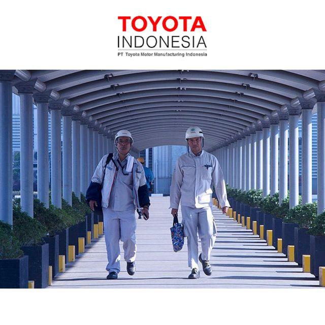 """TMMIN menerapkan prinsip lingkungan """"CLEAN"""", dimana dengan lingkungan kerja yang bersih, karyawan dapat bekerja dengan semangat tinggi yang juga mampu mendeteksi kondisi abnormal yang terjadi secara tiba-tiba dengan mudah #TMMIN #ToyotaIndonesia"""