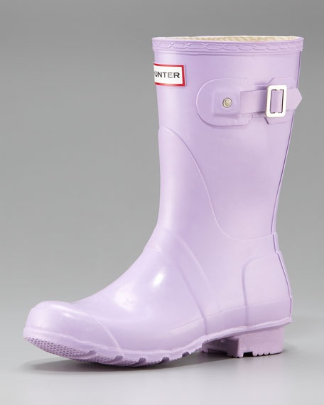 Pale purple rain boots are a cheerful antidote to a grey drizzly day