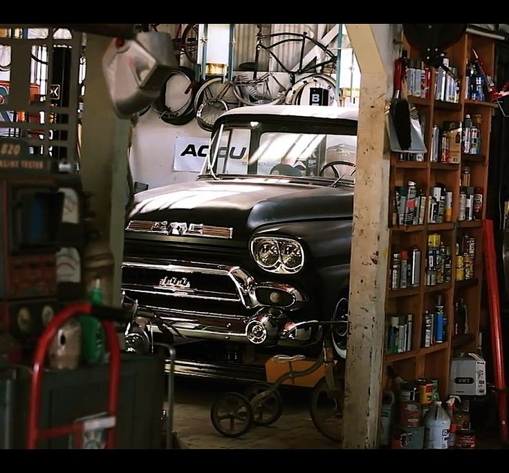 Cars Collector Garages: 42 Best Images About Classic Trucks On Pinterest