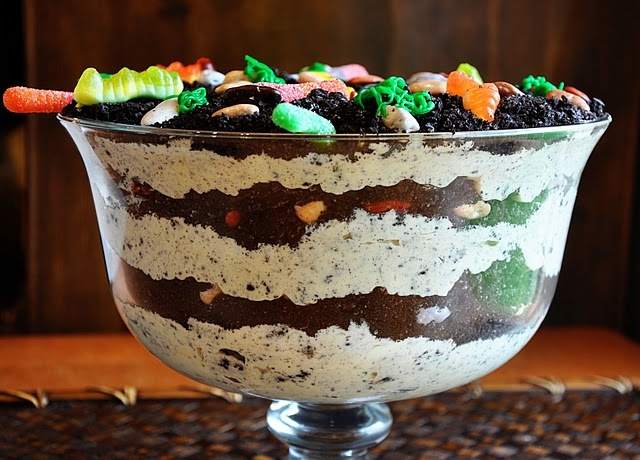 Dirt Cake: Dirt Cakes, Desserts, Cakes Kids, Trifles, Childhood Memories, Recipes, Gummy Worms, Halloween, Birthday Cakes