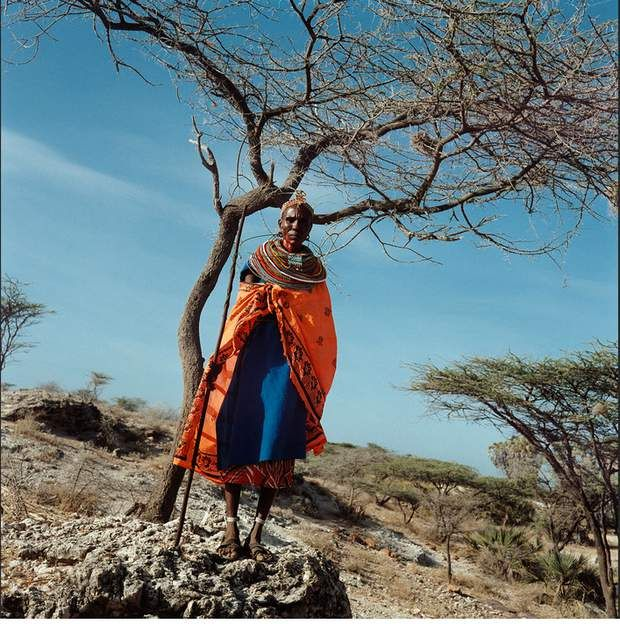 Situation actuelle Depuis les récentes émeutes de décembre 2007 au Kenya, les femmes de Tumai, qui vivent essentiellement de la vente de leur artisanat, se trouvent dans une situation désespérée. En effet, la situation instable du pays a découragé de nombreux touristes de visiter le pays. Sans eux, pas d'argent ni de nourriture.