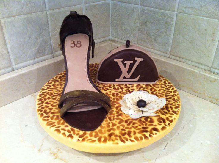Topper Louis Vitton #louisvitton #scarpa #maculato #fashion #pochette #waferpaper #flower #compleanno #birthday #chiryscakes