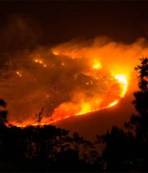 Fire above Westlake in Cape Town (Dani Jones, News24 User)
